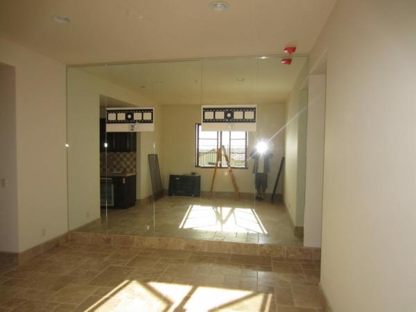 Spiegelwand in der Wohnung 42 coole Ideen  Archzinenet