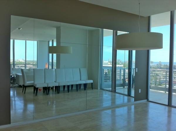 Spiegelwand in der Wohnung 42 coole Ideen