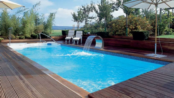 Ein Modernes Pool Im Garten Gestaltungsidee