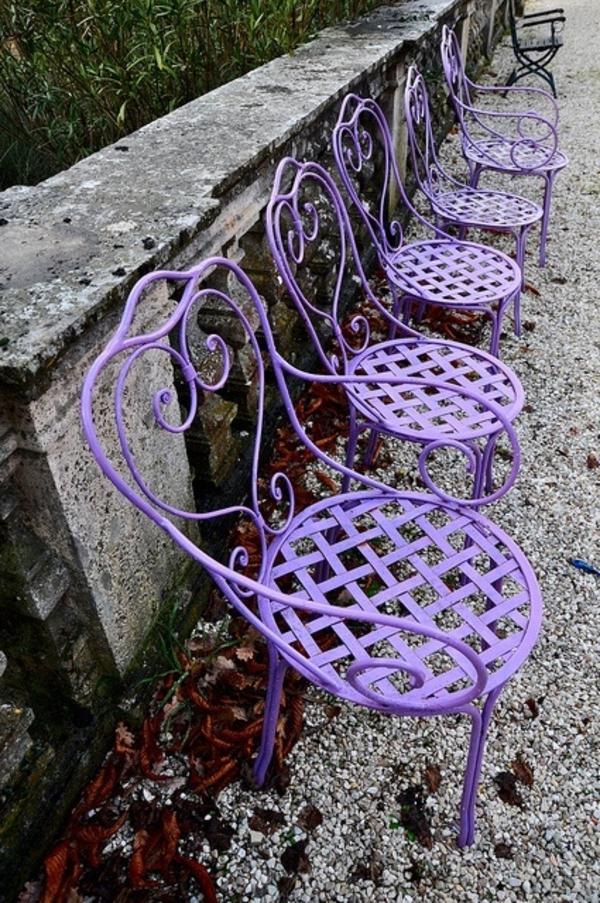 Stuhl in Lila  stilvoll und extragavant