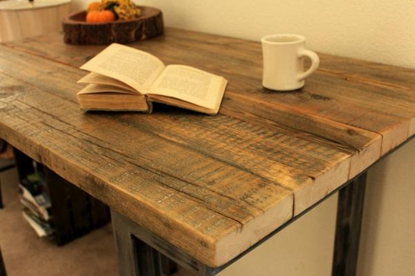 Bartisch aus Holz  effektvoll und klassisch  Archzinenet