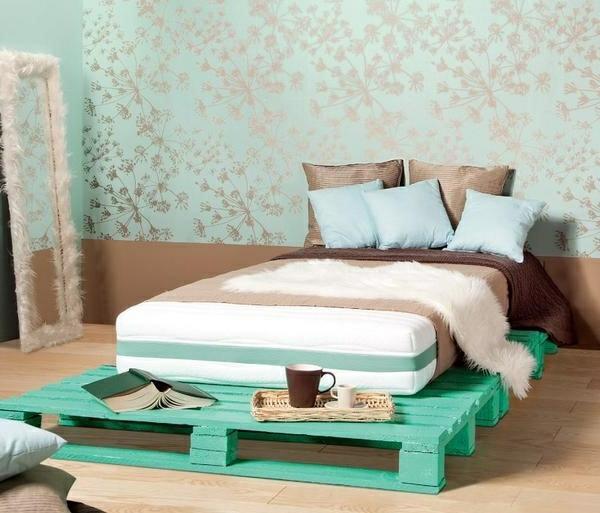 Bett aus Paletten  32 coole Designs  Archzinenet