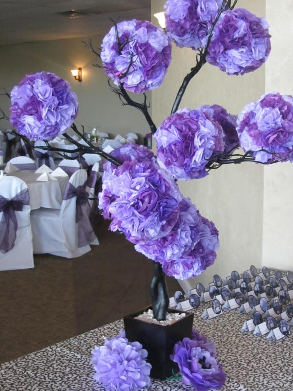Tischdeko zur Hochzeit in lila Farbe  34 Bilder