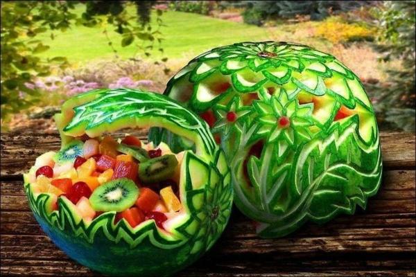 Exotisches Obst als moderne und interessante Dekoration
