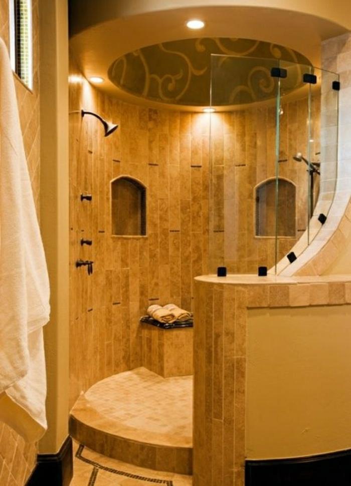Die Duschkabine Im Badezimmer Ist Ein Muss