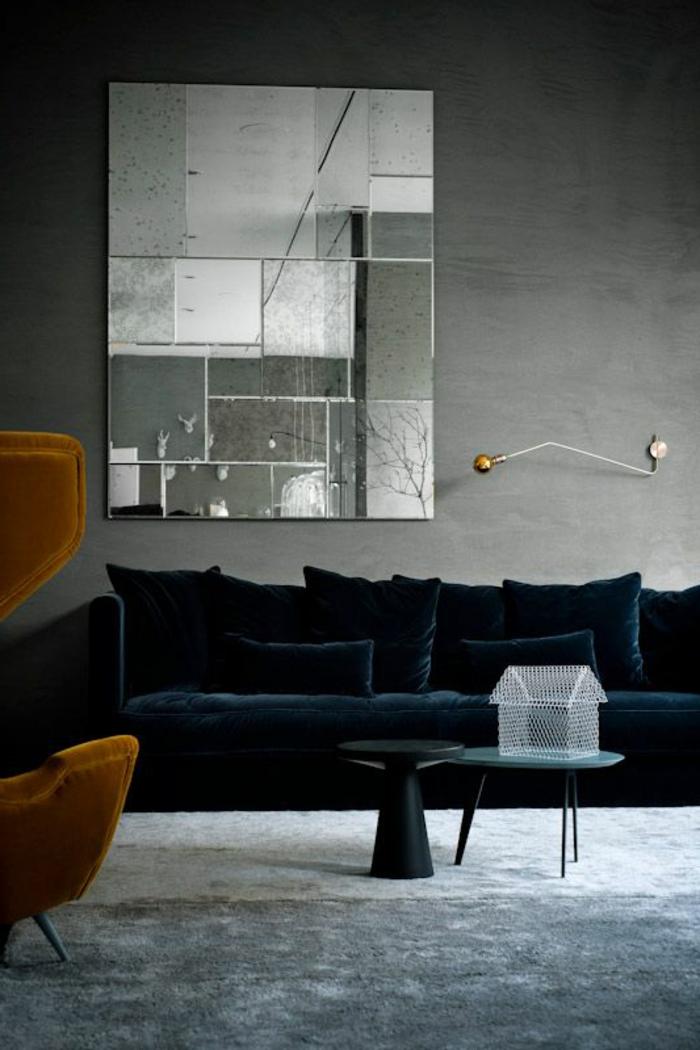 Sofa aus Samt ein aristokratisches Mbelstck  Archzinenet