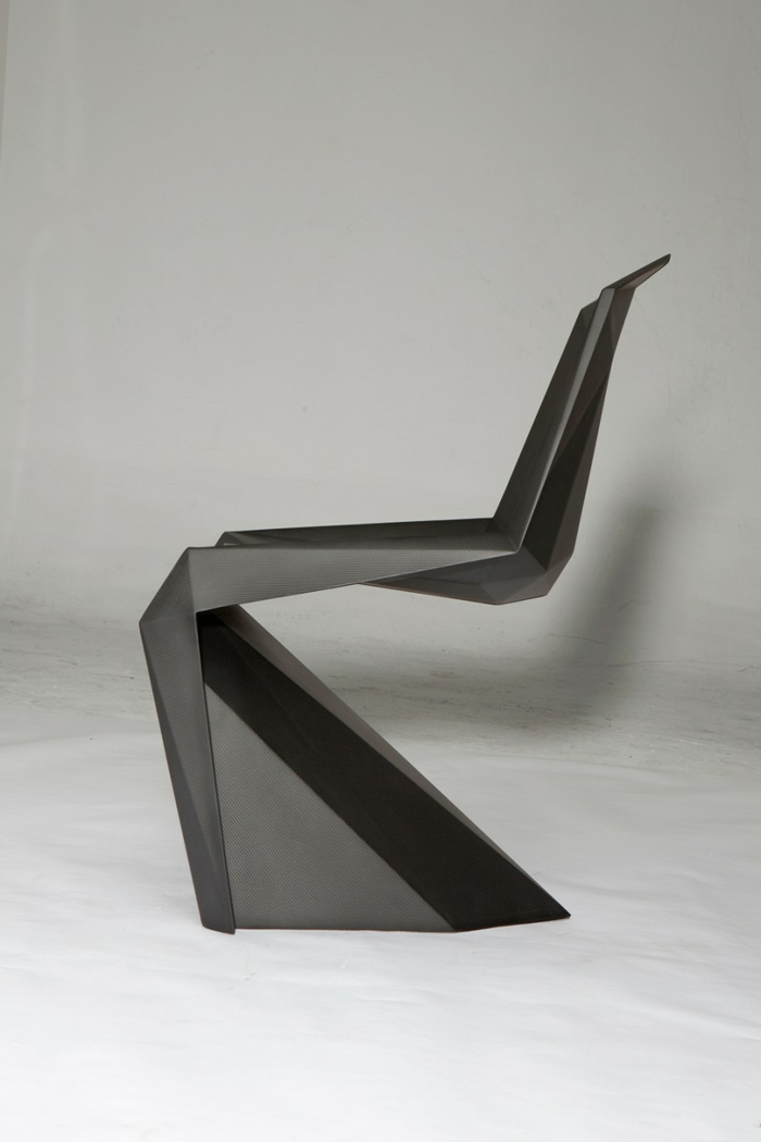 Asymmetrischer Stuhl Casamania Malerei  Wohndesign