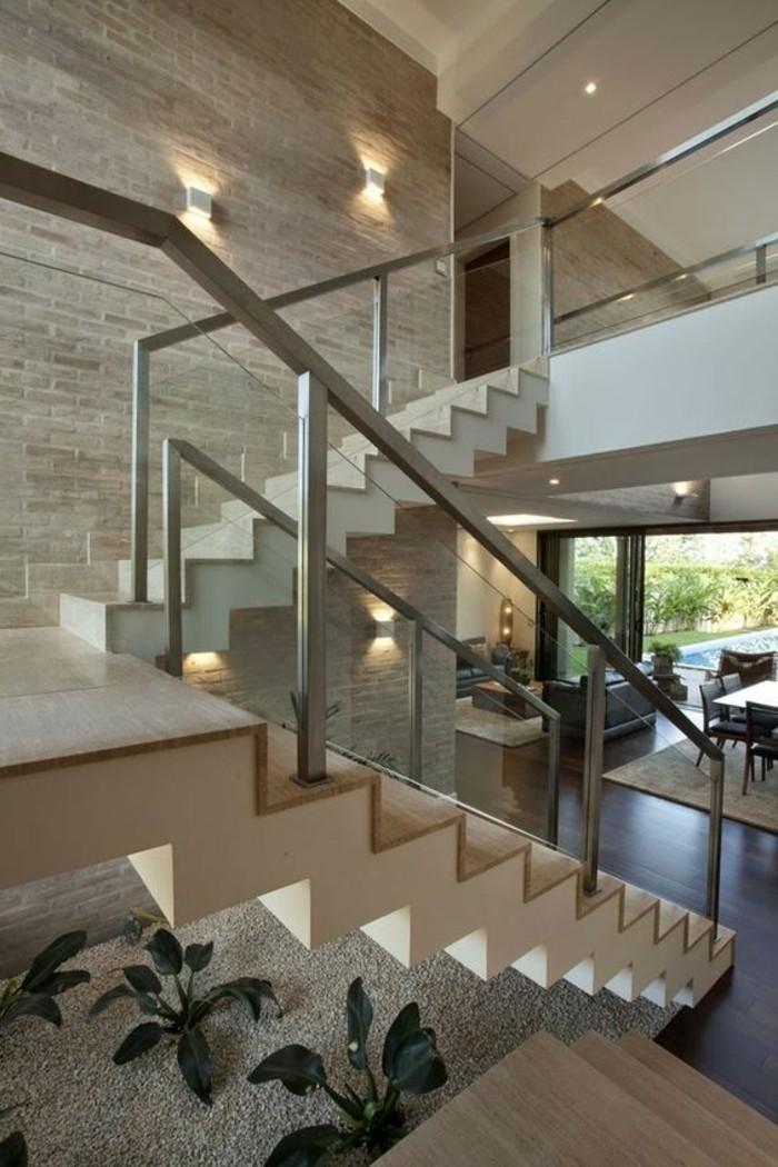 Treppe mit Glasgelnder fr schickes Interieur  Archzinenet