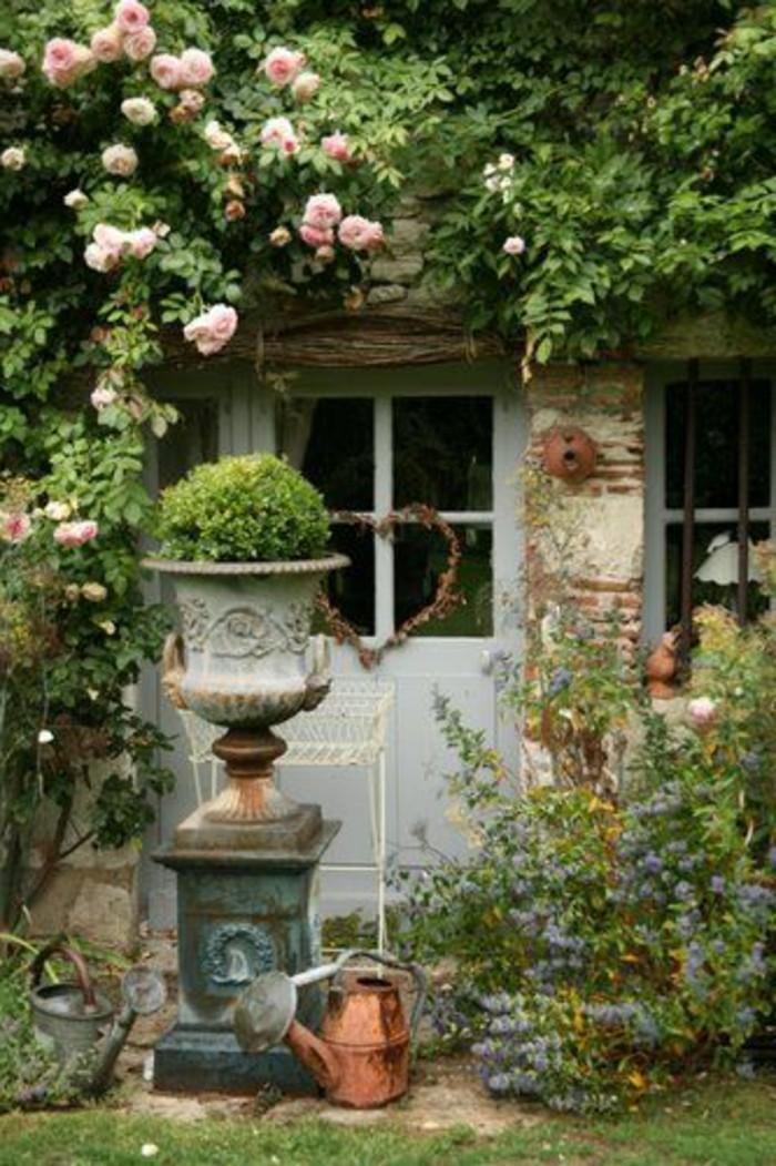 Sitzecke Im Garten Mit Steinmauer