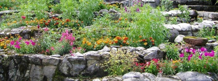 1001 Ideen zum Thema Blumenbeet mit Steinen dekorieren