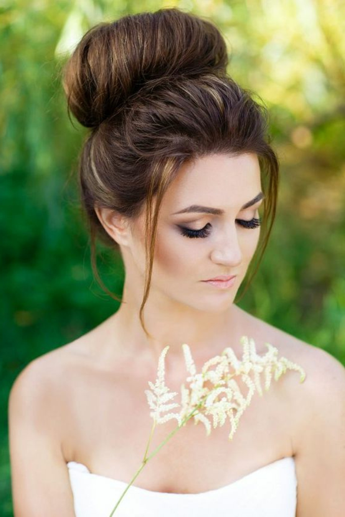 The Dutt Hairstyles Super chic and timeless  Lifestyle