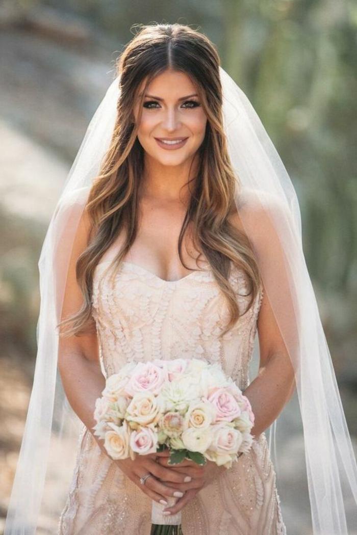 Brautfrisuren schleier  Mittellange haare