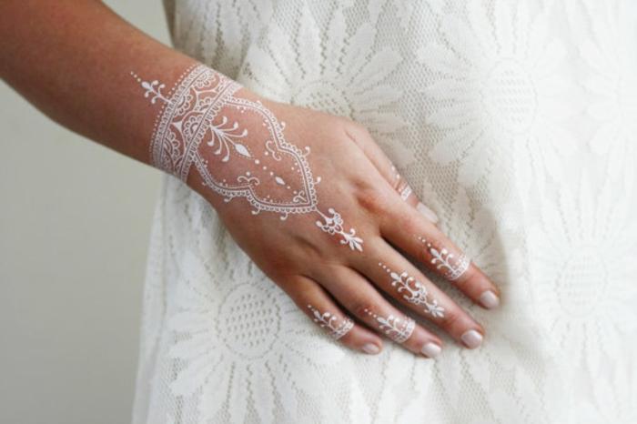 Henna Tattoo  uralte Kunst zur temporren Hautverzierung