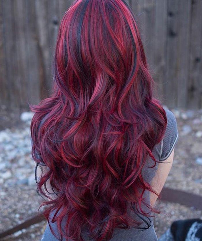 Mit roten schwarze strähnen haare kurze Kurze schwarze