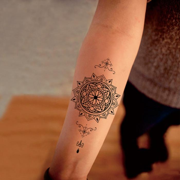 Mandala Tattoo Vorlagen Unterarm Frau