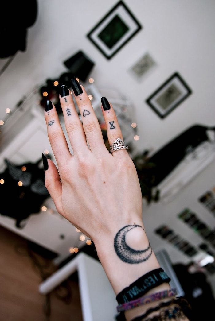 Dot Tattoo On Finger Meaning : tattoo, finger, meaning, Beautiful, Finger, Tattoo, Ideas, Their, Meaning