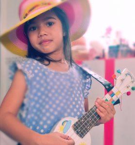 El aprendizaje de la música en niños pequeños.