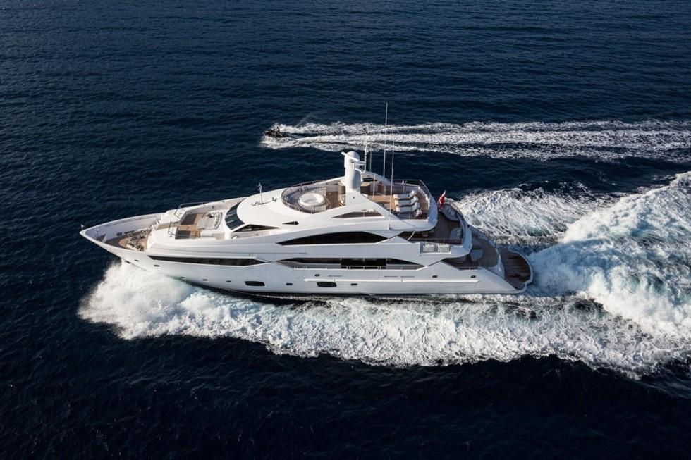 Charter Sunseeker 40m THUMPER Arcon Yachts