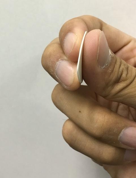 ピックの持ち方〜3本指