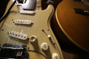 ギターを何本も買うお金があるなら○○を買え!