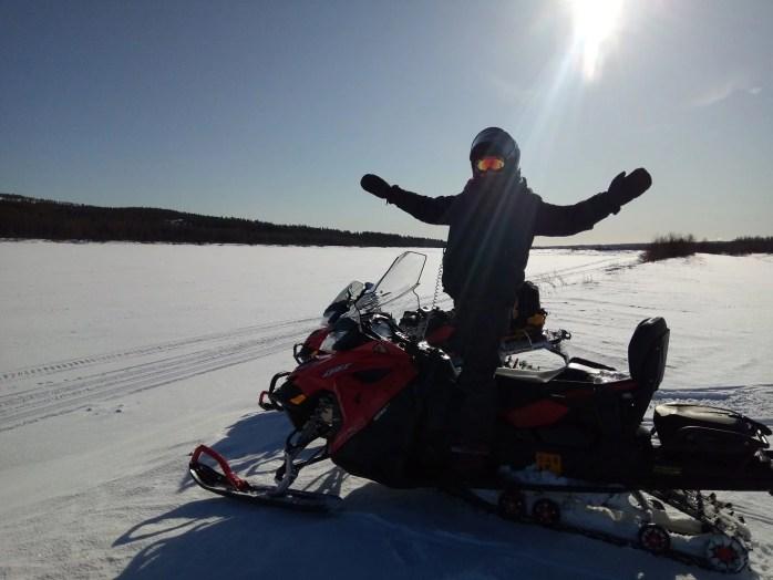 motoneige avec guide qui parle français