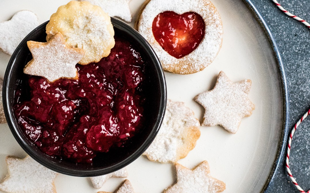 Flavonoid-rich Cranberry & Strawberry Chia Jam – Easy & Delicious