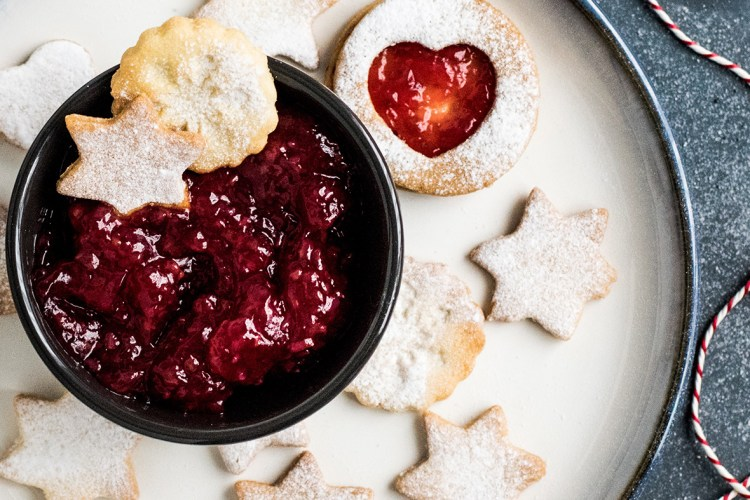 Cranberry and strawberry chia jam made with Arctic Flavors wild cranberry powder - 100% natural, non-gmo, vegan, no added sugars or preservatives