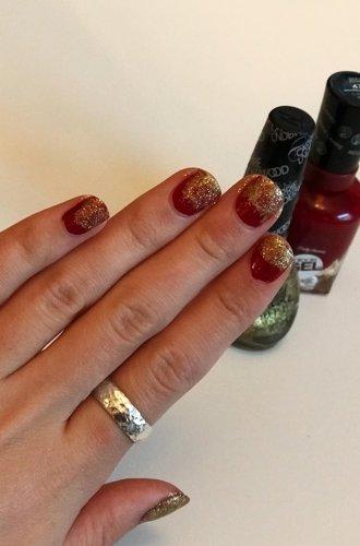A Beginner's Holiday Nails!