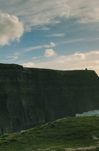 How to Hike The Cliffs of Moher