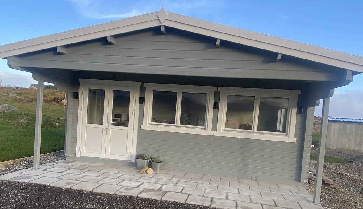 Moonrise Lodge cabin
