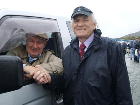 John Luskin receives Award from Eamon Hannan