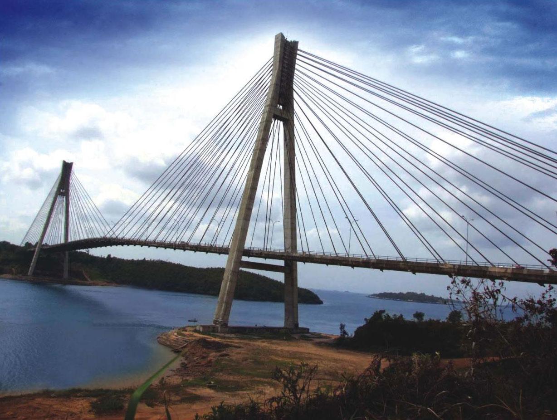 pondasi dengan baja ringan introducing: jembatan cable stayed (makalah)