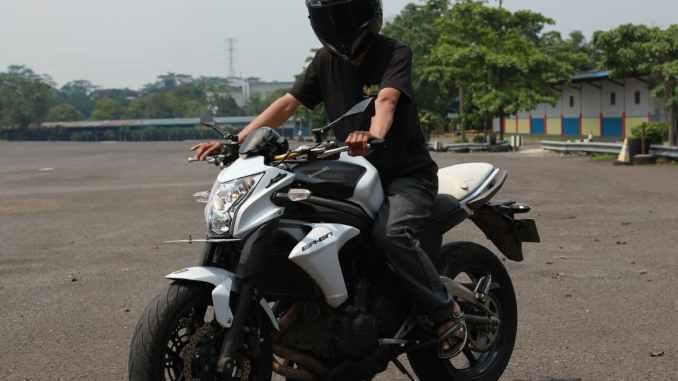 Test Ride Kawasaki Er 6n Moge Yang Easy To Use Ardiantoyugo