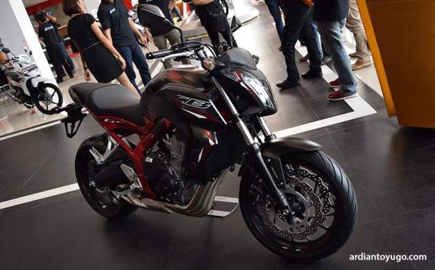 Honda CB 650F black