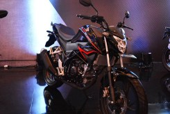 Honda CB150R Macho Black...