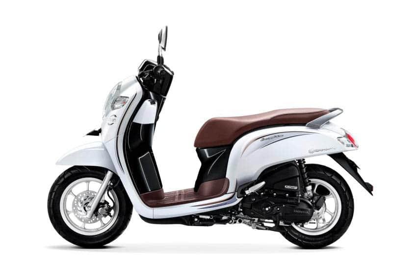 Pilihan Warna Honda Scoopy 2018, Elegan Banget...!!