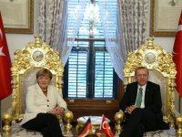 Το φλερτ ΕΕ – Τουρκίας και οι κίνδυνοι για την Ελλάδα