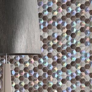 render-3d-detalle-ceramica-con-efecto-relieve-iridiscente