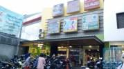 Sisi Depan Yen's Baby Shop