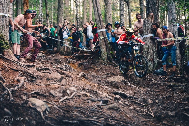 Canadian National Champ rips by the ratbags
