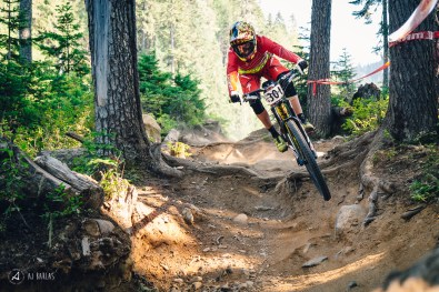 Anneke Beerten putting her enduro fitness and rounded bike handling skills to good use