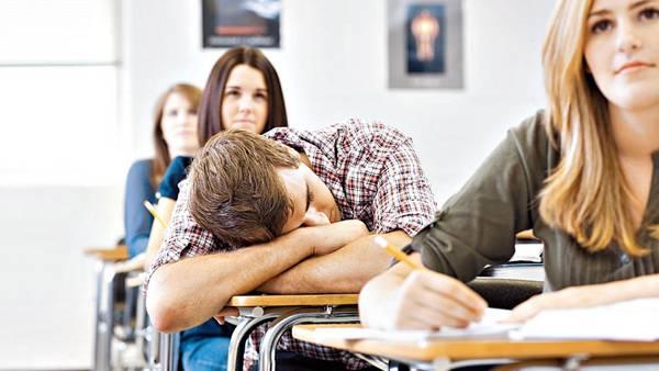 Deuda-adolescentes-disminucion-desregulacion-AFP_CLAIMA20150928_0016_28