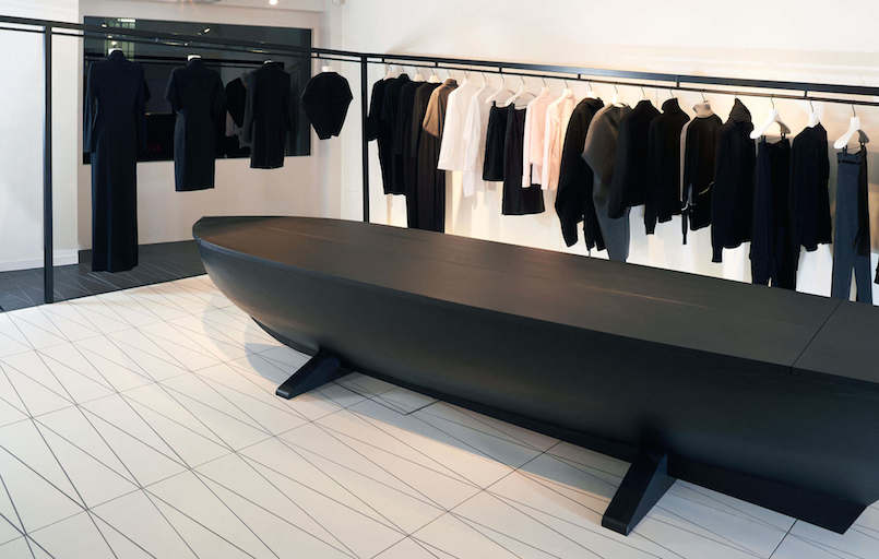 Area-Retail_Hussein-Chalayan_AZC-Architects_Bourdon-Street_London_2015_03_LR