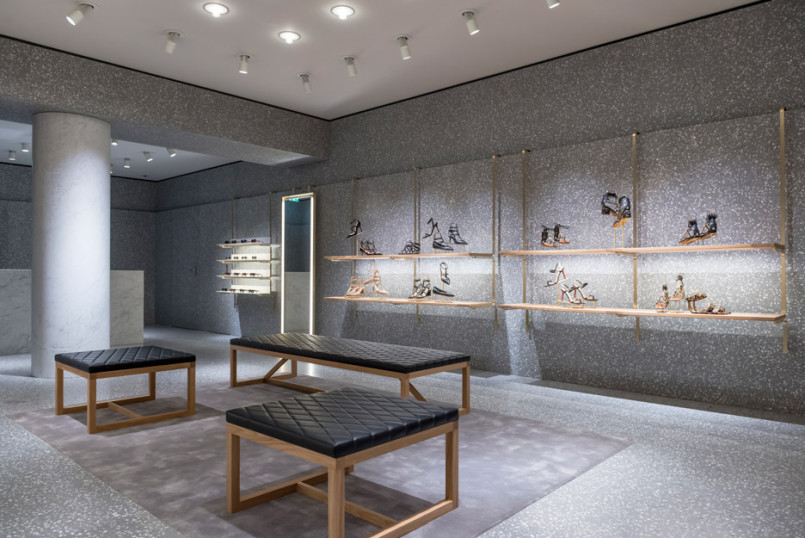 Area-Retail_Valentino_Flagship-Boutique_David-Chipperfield_London_201602_04