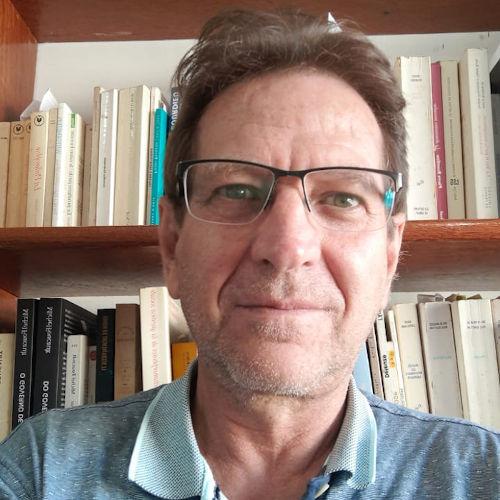 Livro analisa discursos da mídia sobre petróleo e Petrobras