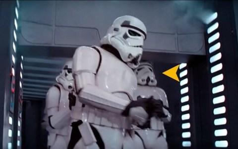 Desvelada la historia detrás del mítico stormtrooper que se golpeaba la cabeza en 'Star Wars'