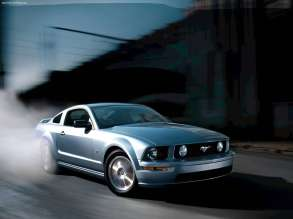 ford-mustang_gt_2005_1600x1200_wallpaper_01
