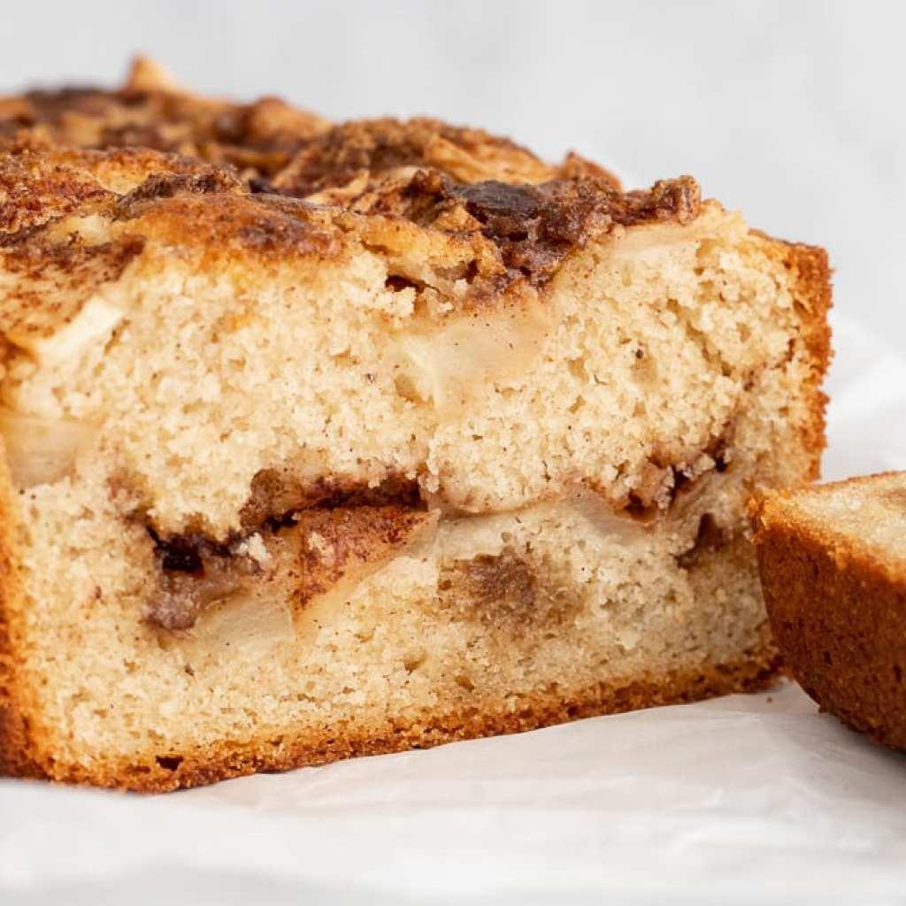 layered apple cinnamon loaf