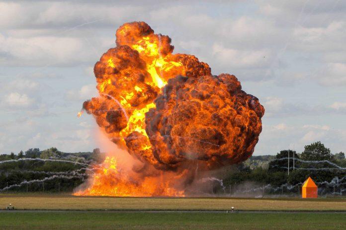 detects explosives dangerous gases