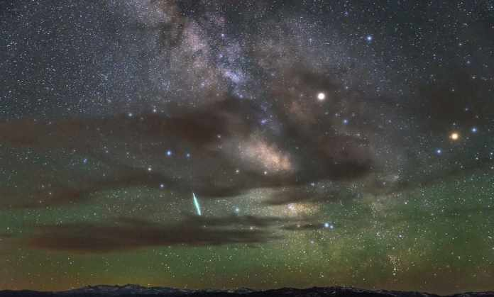 Taurids meteor showers in sky